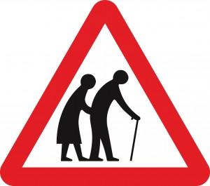 COLOURBOX3385614 Verkehrszeichen gebrechliches altes Ehepaar