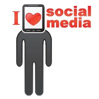 Mann mit I love social media